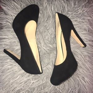 BRIELYN ROUND-TOE SUEDE PUMPS